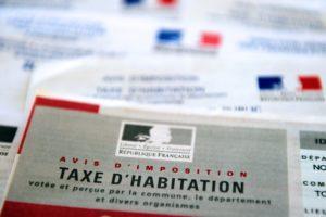 7779718757_un-avis-d-imposition-de-la-taxe-d-habitation-image-d-illustration